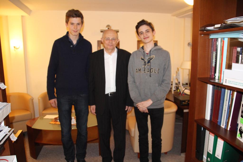 Marek Borowski zautorami wywiadu Adamem Czakańskim iKajetanem Hurukiem